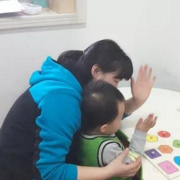 幼儿情绪问题干预及互动式语言的发展