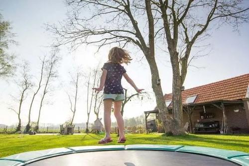 宝宝要跳跳|双脚跳跃,提高下肢的灵活和协调性!